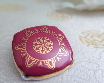 Vintage Royal Albert Bone China Brooch - Vintage Brooch - Maroon Brooch - Wine Brooch - China Brooch - Ceramic Brooch - Gift for Her - 1980s