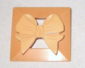 BUTTERSCOTCH BAKELITE 2 Tone Bow Ribbon & Slide Buckle ARTISAN Composition Vintage Brooch Pin Deco Nouveau Revival Boutique Fashion Jewelry