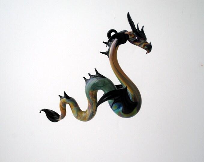 e36-910 Large Sea Dragon Multi Black
