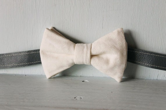 Bow tie unisex >> Calico bow with white screenprint spots bow, leather strap, buckle >> Brisbane