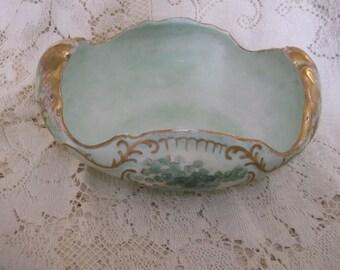US Pottery Fancy Bowl Mint Green Wellsville