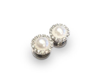 Diamanté Pearl Ear Plugs