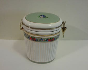 Ceramic Knotts Berry Farm Canister