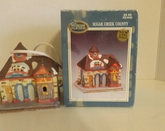 Christmas House Sugar Creek County Station  1995 #302-9428 with  Box CL35-17