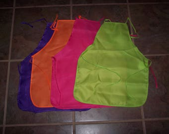 Colorful kid's craft aprons,ready to decorate,Ages 3+,New but NOT perfect paint,gardening,baking,close-out