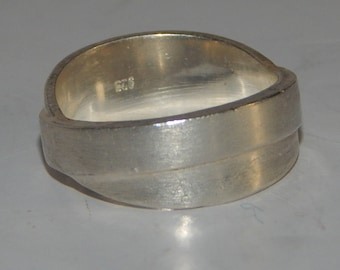 Silver 925 ring, size 6.5, rings are attached