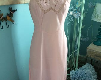 Vintage Barbizon Tafreeda Dusty Rose 1950s Slip