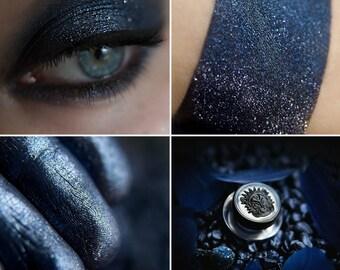 Eyeshadow: Lady Night - Undead. Blue and silver glittering eyeshadow by SIGIL inspired.