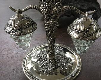 Godinger salt and pepper shaker grape vine leaves silver plated
