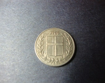SALE - 1966 Iceland 25 Aurar Coin - Twenty-Five Aurar- Shield - Nice Design - Vintage World Coin - .65 Cent Ship, 1.25 Int'l Ship