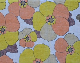 1970s cotton fabric, yellow and orange floral pattern, 1.5 meters French vintage fabric