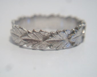 Vintage Avon Leaf Band Ring Silver Tone Costume Jewelry Fall Autumn