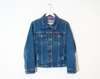 on sale - medium wash fitted jean jacket / blue button-up denim jacket / size M