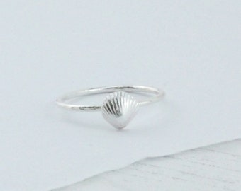 Sterling Silver Shell Ring- Beach Jewellery- Summer Ring- Handmade Jewellery- Shell Jewellery- Gift for her- Beach wedding accessories
