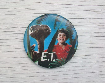 Vintage 1982 E.T. Pinback Button