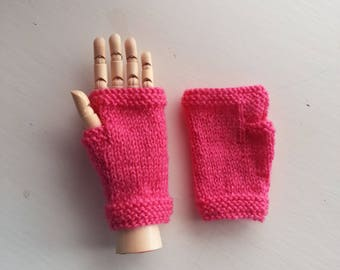 Girl's hat and fingerless gloves set - Custom order for Elise