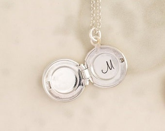 Personalized Locket, Locket Necklace, Initial Locket Necklace, Round Locket Necklace, Locket Pendant, Initial Necklace, Personalize Necklace