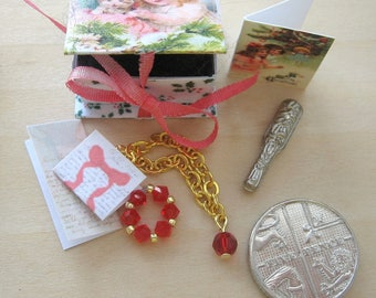 dollhouse christmas box crystal jewellery gold plated  letters  cards brush 12th scale dollhouse  miniature
