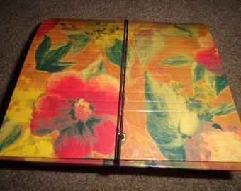 Vintage accordian organizer coupons recipes addresses floral look