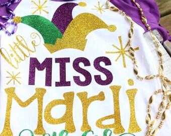 ALL GLITTER Little Little Miss Mardi Gras Shirt, Purple and White Raglan Shirt, Mardi Gras Girl Glitter Vinyl Shirt, Mardi Gras Raglan Shirt