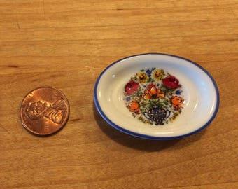 Miniature ceramic platter
