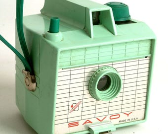 Vintage Camera Savoy Imperial Box Camera for 620 Film with Wrist Strap Mint Green C1550