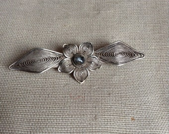 1920's filigrane brooch.