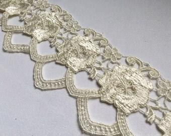 Deep Ivory venise lace trim