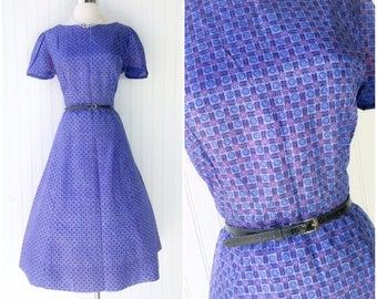 violet & blue medallion floral print rayon taffeta midi dress / vtg 50s pinup dress / short sleeves/ flared skirt