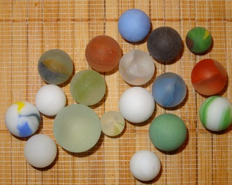 Lot of 18 Beach Glass-Like Vintage Marbles / Frosted Marbles / Glass Marbles / Toy Marbles / Game Marbles / Craft Marbles / Lot #99