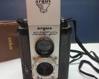 Vintage Argus Super Seventy-Five Camera with leather Case