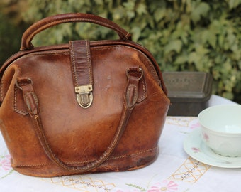 Beautiful handbag woman thick leather, from the years 1940/1950