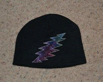 Children's 13 point bolt appliqued beanie hat