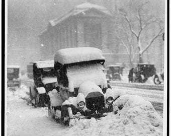New York City, 1917, Snow covered Automobile, Old Car, NYC Picture