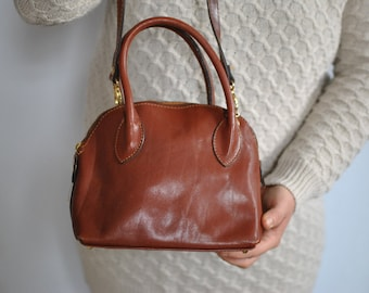Vintage SHOULDER LEATHER BAG .....(500)