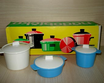 Vintage old kitchen play set, kitchen toy, pots and pans, Cooking toys, Made in Czechoslovakia, Cooking pots & pans, Plastic toy set in box,