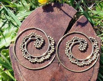 Brass spiral ethnic earrings, tribal earrings, chic earrings, elegant earrings, indian earrings