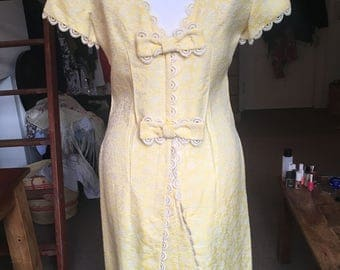 Vintage lemon and lace 1960's dress, size 8