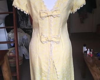Vintage lemon and lace 1960's dress, size 8