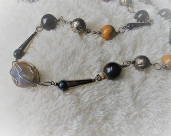 Agate and Mixed Stone Necklace with Meltal Embellishments