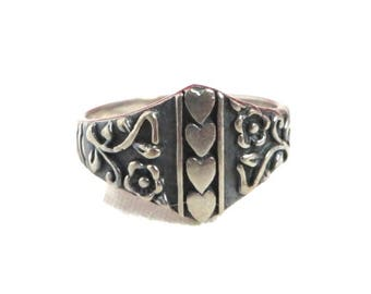 Sterling Silver Heart Ring - Vintage Hearts & Flowers Scrolled Band Ring, Size 8