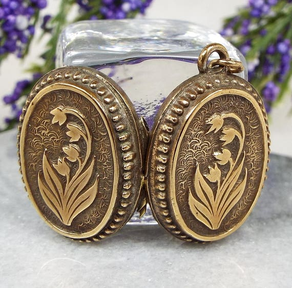 Antique Victorian Gold Ornate Lily of the Valley Flower Locket Pendant Necklace