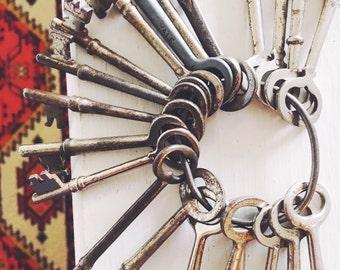 Set of 21 Authentic Vintage Skeleton Keys