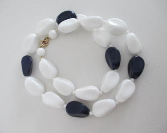 Vintage Glass Bead Necklace White Navy Blue 18 Inch Retro Free Shipping