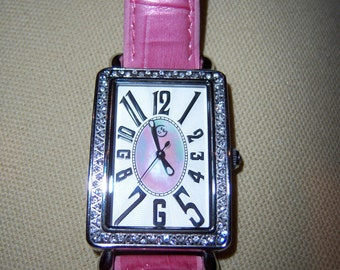 Vintage Ladies Silver Tone Swarovski Crystals Pink Leather Band Mother of Pearl