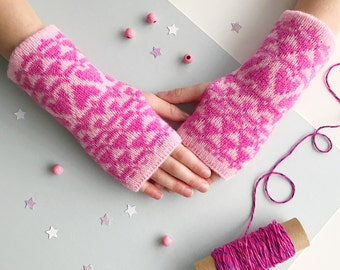 Childrens arm warmers, childrens wrist warmers, childrens fingerless gloves, fingerless mittens, lambswool arm warmers, knitted gloves