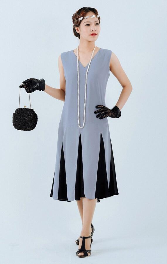 1920s Dresses for Sale Grey 1920s Gatsby dress with black skirt details grey flapper dress Miss Fisher dress grey Charleston dress 20s women dress 2oer kleid $130.00 AT vintagedancer.com