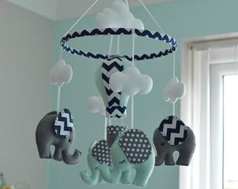 Mint Green Baby Elephant Mobile / Nursery Hot Air Balloon Mobile / Safari Felt Mobile / MADE TO ORDER