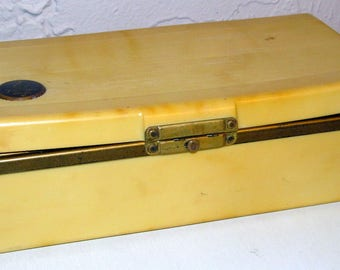 Vintage Emerson 569 jewel box Bakelite portable 4-tube radio