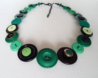 Button Necklace, Button Jewellery, Statement Necklace, Green Necklace, Emerald Green,Unique Necklace,Handmade Necklace,Quirky Necklace